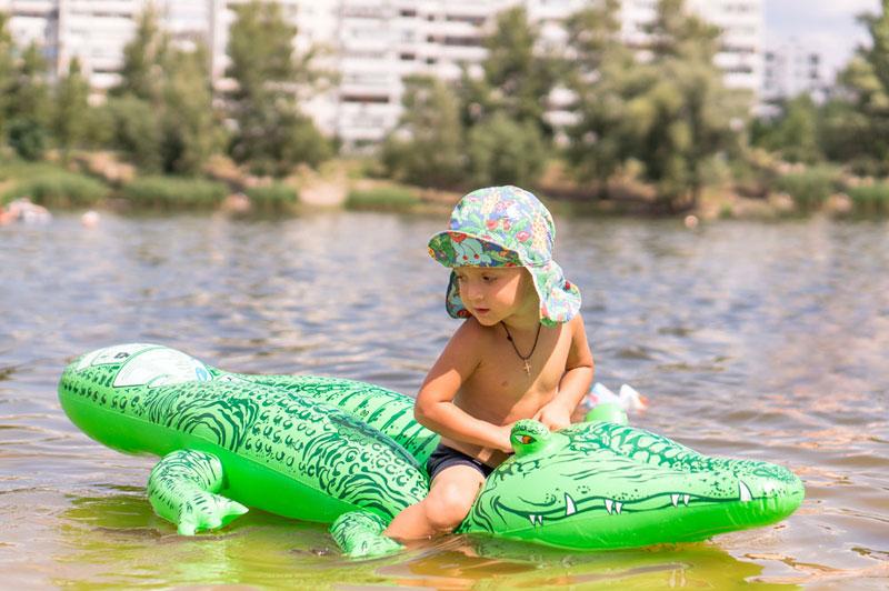 Aufblasbares Krokodil